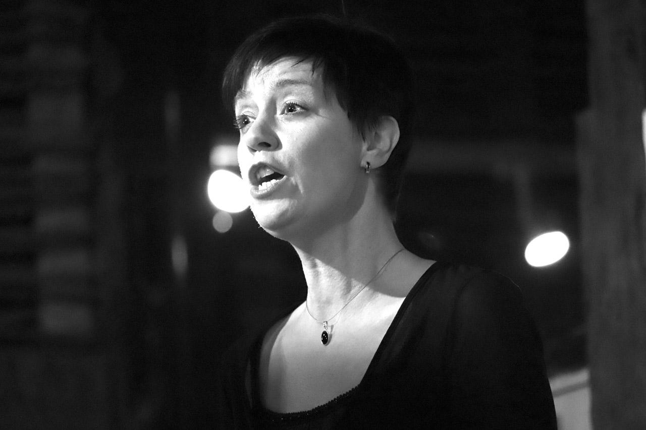 Sopranistin Heike Scholl-Braun singt eine Arie